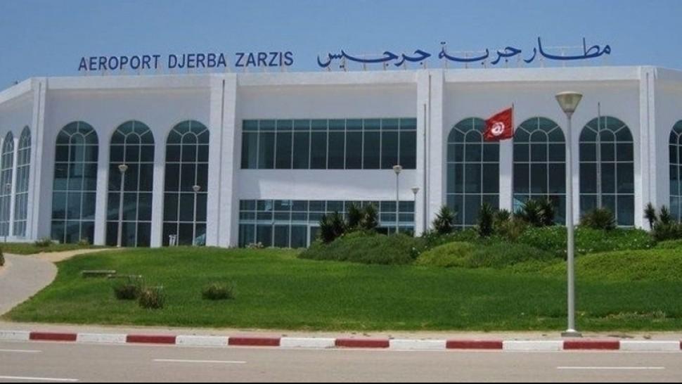 مطار جربة: معتمرون ينتظرون منذ ليلة البارحة اقلاع رحلتهم نحو البقاع المقدسة