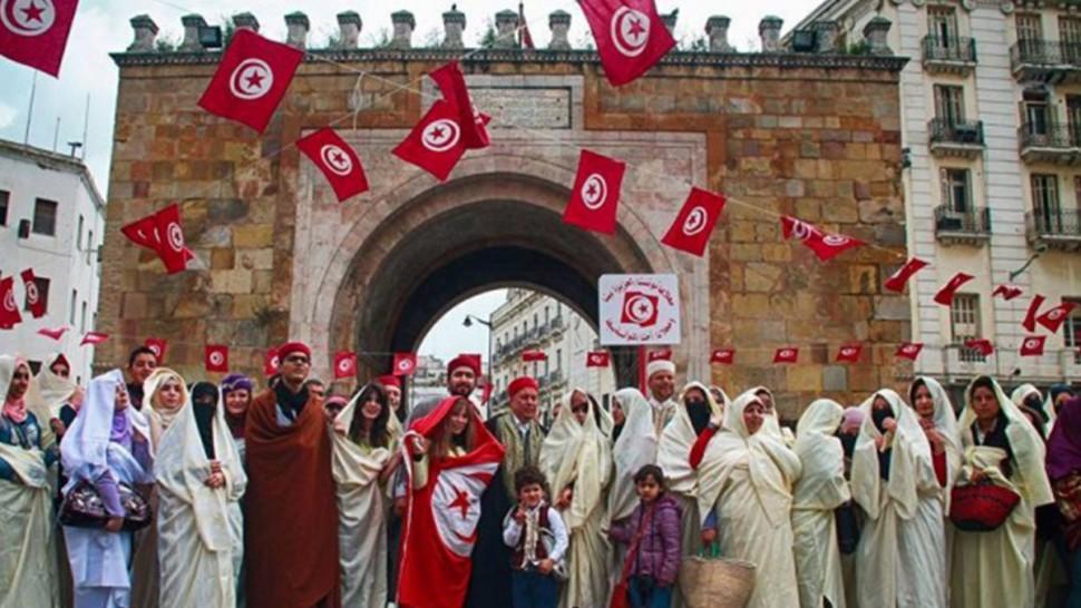 تونس تحيي اليوم الوطني للباس التقليدي