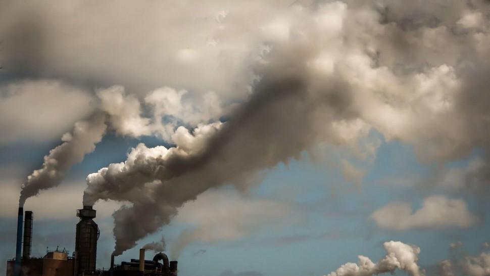 باحثون: تلوث الهواء العامل الرئيسي لوفاة الناس في الوقت الحاضر
