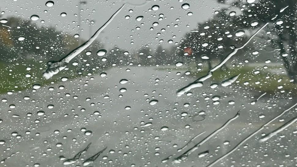نشرة محيّنة: أمطار غزيرة وانخفاض ملحوظ في درجات الحرارة بهذه الجهات
