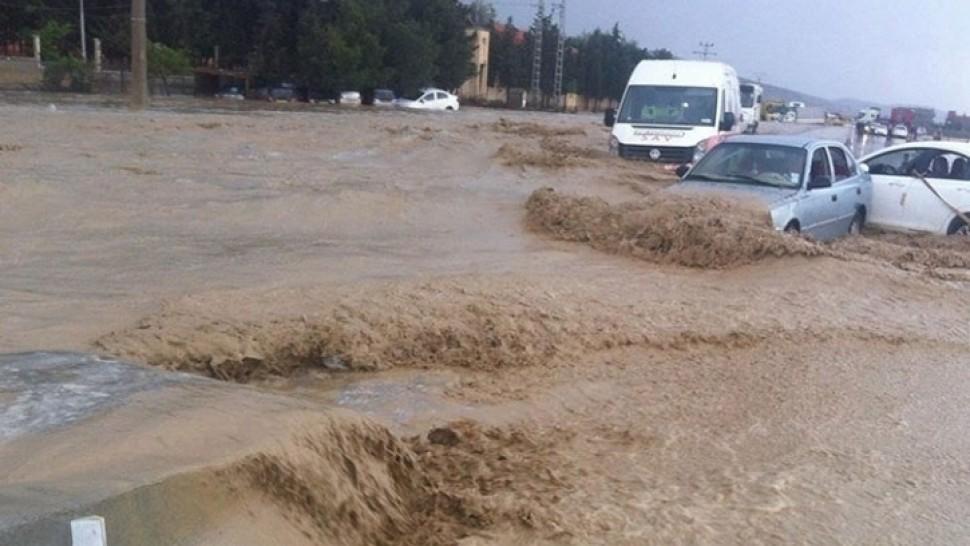 الطرقات انقطاع  حركة المرور  الامطار