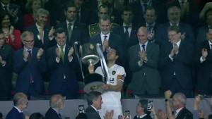 فالنسيا يتوّج بلقب كأس ملك اسبانيا على حساب برشلونة