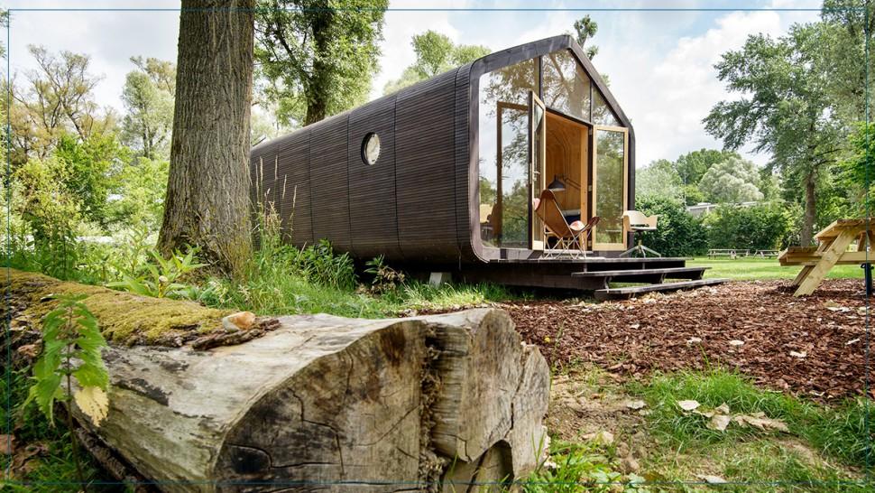 مصممون يصنعون منزلا بيئيا من الورق المقوى