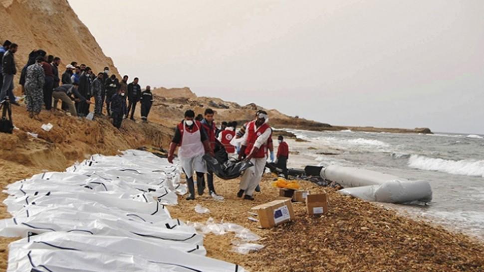 ليبيا : انتشال جثث عشرات المهاجرين اثر غرق مركبهم