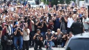 نقابة الصحفيين بصفاقس: توحيد بث الاذاعات العمومية يجعل منها اذاعات حكومية