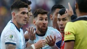 إتحاد أمريكا الجنوبية لكرة القدم يوقف ميسي