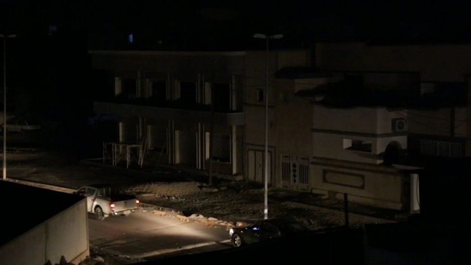 ليبيا : عودة الكهرباء تدريجيا بعد انقطاع كامل لساعات في المنطقتين الغربية والجنوبية