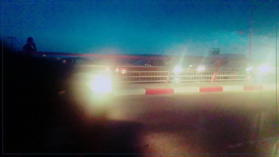 صفاقس: انقلاب مقطورة شاحنة فوق جسر طريق قابس يعطل حركة المرور(صور)