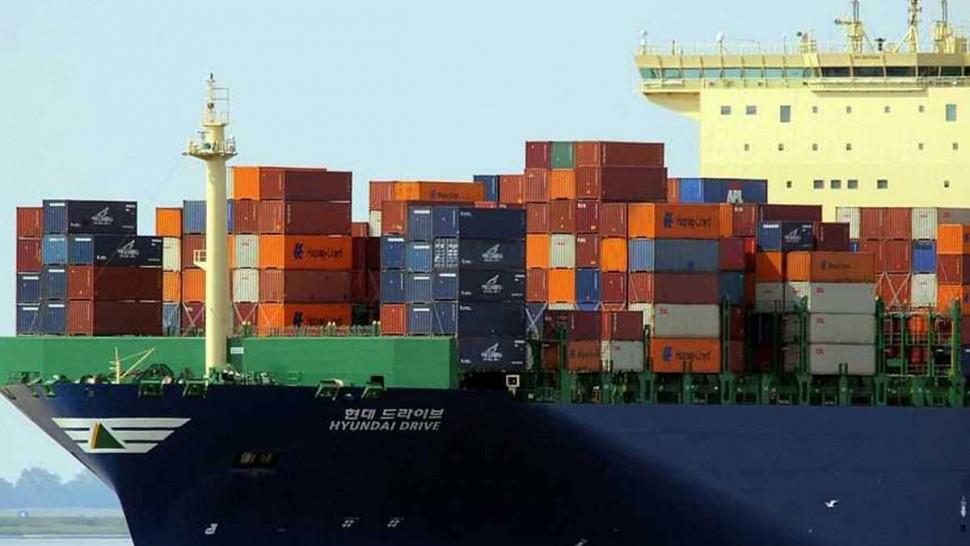 العجز التجاري تونس  الصادرات الواردات