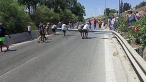 بسبب تواصل انقطاع الماء:غلق الطريق الرابطة بين تونس وبنزرت