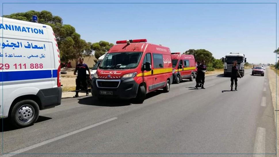 وفاة رضيع في اصطدام حافلة لنقل المسافرين بشاحنة ثقيلة (صور)