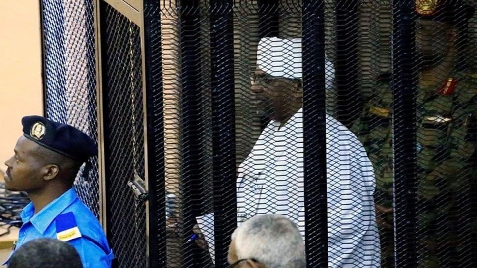 استئناف محاكمة عمر البشير على خلفية قضية ''الثراء الحرام''