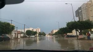 صفاقس : مياه الأمطار تغمر الطرقات (صور)