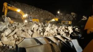 انهيار مقطع حجارة بالنفيضة : انتشال جثة عامل