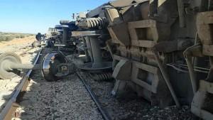 قفصة: انقلاب 5 عربات تابعة لقطار محمل بالفسفاط