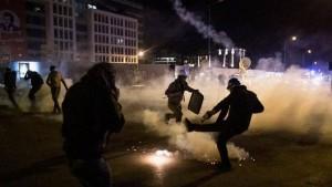 لبنان:اشتباكات وحرق خيام في ساحة الشهداء