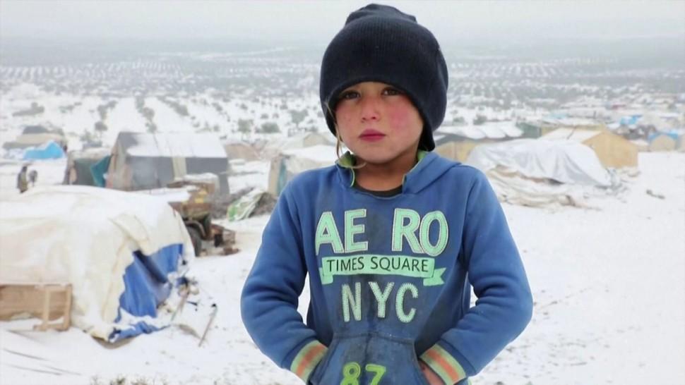 في إدلب: نصف مليون طفل محاصرون جراء البرد والجوع والقصف العشوائي
