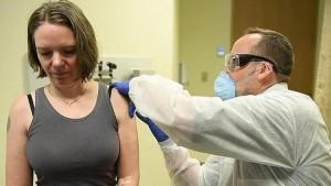 فيديو : انطلاق تجربة أول لقاح لعلاج فيروس كورونا