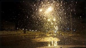 يكون الوضع الجوي الليلة الثلاثاء ملائما لهبوب رياح قوية بالمناطق الساحلية وبالجنوب حيث تتراوح سرعتها بين 60 و80 كلم/س وتصل مؤقتا إلى 100 كلم/س في شكل هبات حيث تثير الرمال والأتربة.
