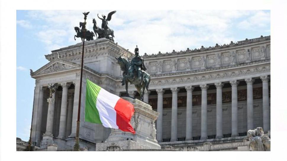 نكست ايطاليا اعلامها منتصف نهار اليوم الثلاثاء حدادا على ضحايا فيروس كورونا المستجد.
