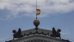 اسبانيا تنكّس علمها الوطني و تدخل في حداد على أرواح ضحايا كورونا