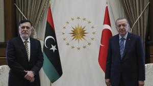 اردوغان : '' لن نترك إخواننا الليبيين تحت رحمة الانقلابيين والمرتزقة أبدا ''