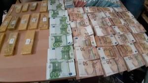 ذهب واموال اجنبية