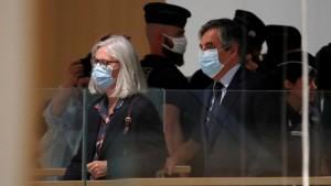 فرنسا: الحكم على رئيس الوزراء الأسبق فرانسوا فيون وزوجته بالسجن