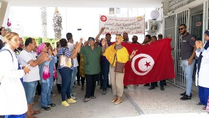 صفاقس: عمّال الحضائر بمستشفيي الحبيب بورقيبة والهادي شاكر يحتجّون