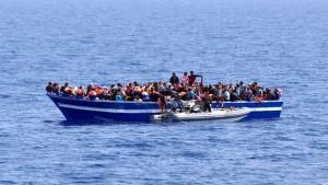 تمكنت وحدة بحرية تابعة لجيش البحر صباح اليوم الثلاثاء من إحباط عمليّة هجرة غير شرعيّة ل10 تونسيين من سواحل صفاقس الى ايطاليا .