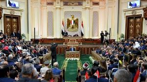 البرلمان المصري يصادق على قرار يجيز للجيش تنفيذ مهامّ قتالية في الخارج
