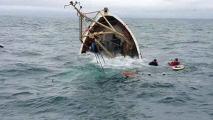 غرق مركب ''حرقة'' بجرجيس : نجاة 9 أشخاص وانتشال جثة و تواصل البحث عن مفقودين اثنين