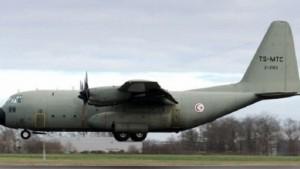 وصول طائرة عسكرية قادمة من الغابون وغينيا كانت في رحلة اجلاء 29 مواطنا تونسيا وجثمانين اثنين