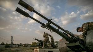 ليبيا : قوات حفتر تحذّر السفن والطائرات