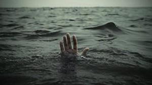 غرق شخص