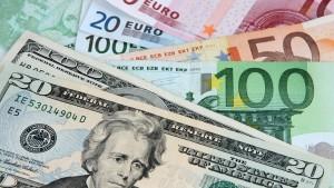 تمكين التونسيين بالخارج من فتح حسابات بنكية بالعملة الصعبة في تونس