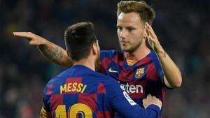 برشلونة : ميسي يغيب عن التدريبات و راكيتيش يعود الى فريقه السابق