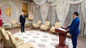 الرئيس الجديد لهيئة مكافحة الفساد يؤدي اليمين أمام رئيس الجمهورية