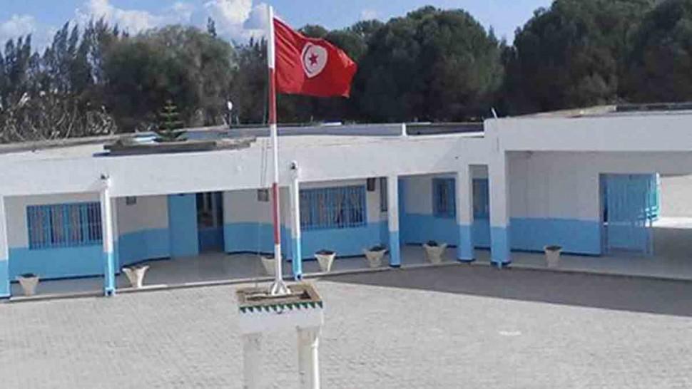 تم اليوم الجمعة تسجيل إصابة معلمة بفيروس كورونا وفق ما أفاد به مصدر طبي من الادارة الجهوية للصحة بصفاقس.