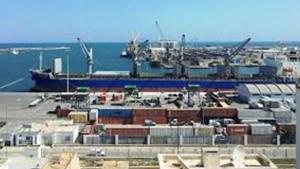 ميناء صفاقس التجاري.... شريان اقتصادي في حاجة إلى التطوير