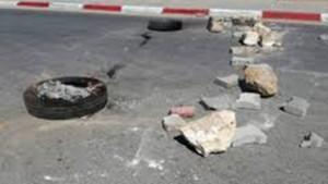 على خلفية غياب حافلة تقلهم: محتجون يهددون بغلق الطريق في صفاقس