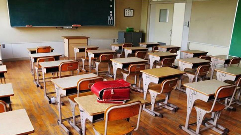 سجلت مندوبية التربية بصفاقس 2  10إصابات بفيروس كورونا في الوسط المدرسي إلى غاية اليوم السبت 3 أكتوبر 2020 وفق ما أفاد به المندوب الجهوي للتربية بصفاقس 2 شكري بوعزيز.