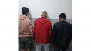 تمكن  أعوان مركز الامن الوطني بالمحرس أمس  السبت من إيقاف 3 أشخاص كانوا يعتزمون اجتياز الحدود البحرية خلسة وفق ما أكده مصدر أمني.