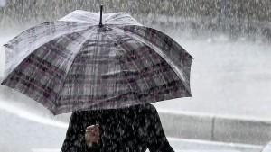 انخفاض في الحرارة بما يقارب 8 درجات و أمطار  غزيرة بهذه الجهات