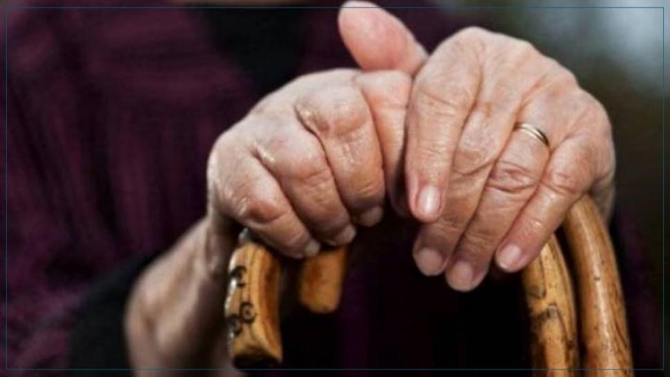 اكد المدير الجهوي للصحة بالمنستير حمودة الببّة مساء اليوم الأربعاء تسجيل 41 اصابة بفيروس كورونا بمقر جمعية الرحمة لرعاية المسنين و فاقدي السند بالمكنين (دار المسنين) بولاية المنستير.
