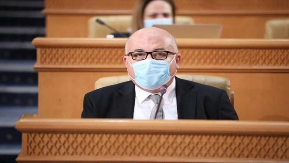 أعلن وزير الصحة فوزي المهدي في الندوة الصحفية الدورية حول الوضع الوبائي ( كوفيد 19) عن استئناف عدد من الأنشطة الثقافية ابتداء من يوم الاثنين القادم.