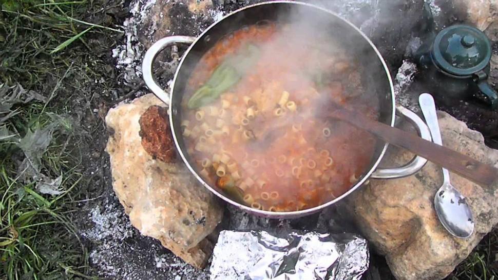 مع  تواصل أزمة الغاز المنزلي: العودة  إلى استعمال الحطب للطهي والتدفئة بالقصرين