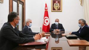 رئيس الحكومة يأمر بالتدخّل الفوري لفتح الطرقات وإعادة تشغيل مواقع الإنتاج