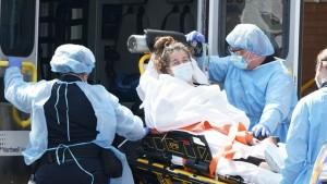 الولايات المتحدة تسجّل أعلى حصيلة اصابات يومية بكورونا منذ بداية الوباء