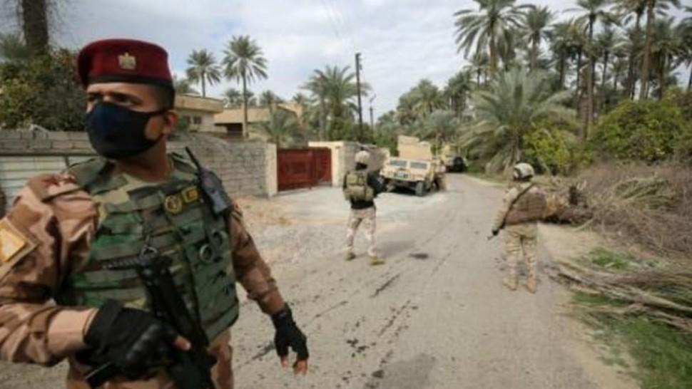 تم اليوم الاثنين اطلاق صواريخ استهدفت السفارة الأميركية الواقعة في العاصمة العراقية بغداد وفق مصادر عسكرية وأمنية مضيفة أن صاروخين على الأقل سقطا بالمنطقة التي يقع بها  مقرات السفارات الأجنبية ومنها الأميركية..